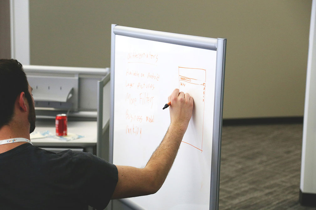 project-managers-white-board
